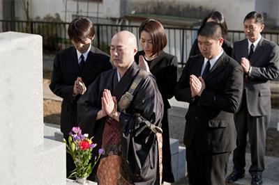 喪に服すために新年の挨拶を欠くことを事前に知らせる挨拶状です。