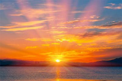 日の出がもっとも早い日は、夏至の1週間ほど前