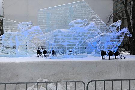 氷像も透明度が高くキレイ